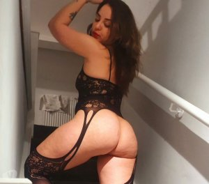 Ayat top escorts in Stoneham-et-Tewkesbury