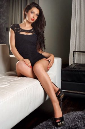 Nissrine tattoo escorts in Prestwick, UK